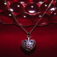 Keepsake - Silver Heart Locket